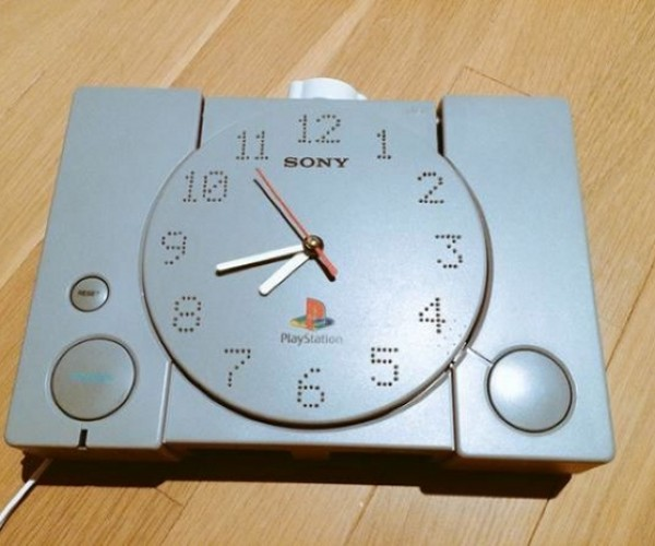 Original PlayStation Turned into a Clock: Game Time