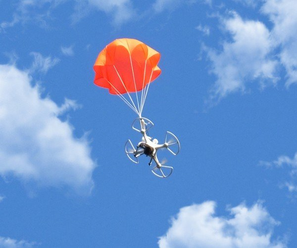 SmartChutes Automatic Parachute for Multicopters