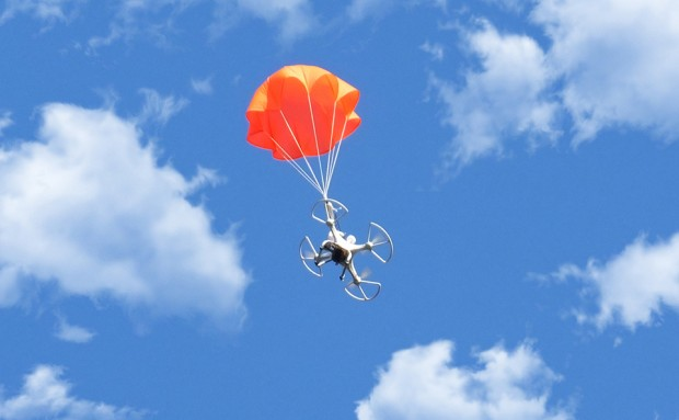 smartchutes_automatic_parachute_deployment_for-multicopters_by_michael_pick_1