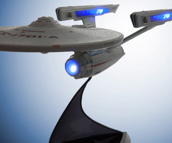 Star Trek VI USS Enterprise Model Lights up and Makes Sounds