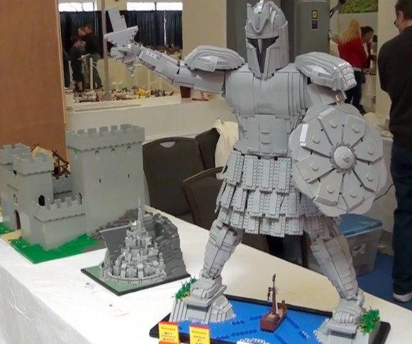 LEGO Titan of Braavos: Man of Gray and Gray
