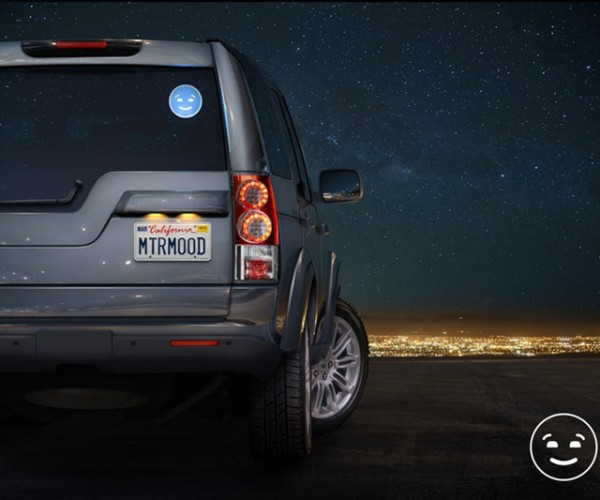 MotorMood Car Light Lets You Thank Drivers with a Smiley Face
