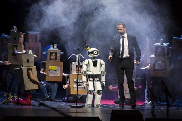 myon_robot_opera_1