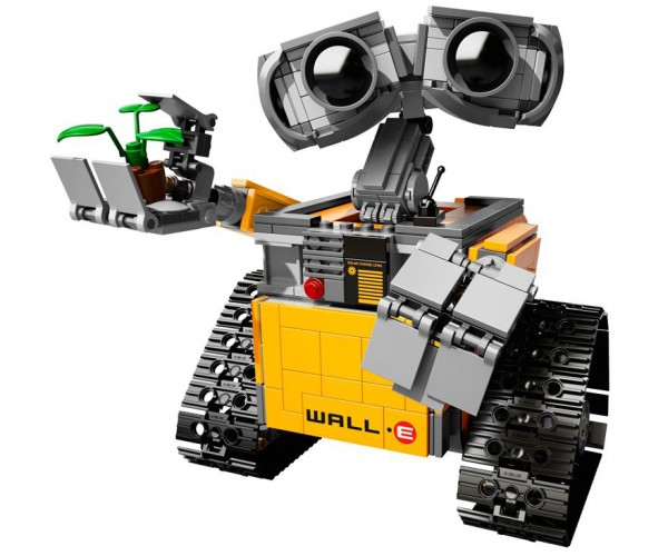 Official LEGO Wall-E Set is Better than Pizza Plants