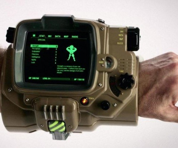 "Fallout 4 ""Pip-Boy Edition"" Comes with an Actual Pip-Boy"