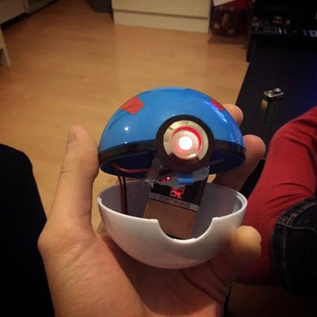 pokemon_poke_ball_light_up_replicaby_the_pokeball_project_3