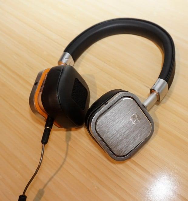 torque_t402v_headphones_2