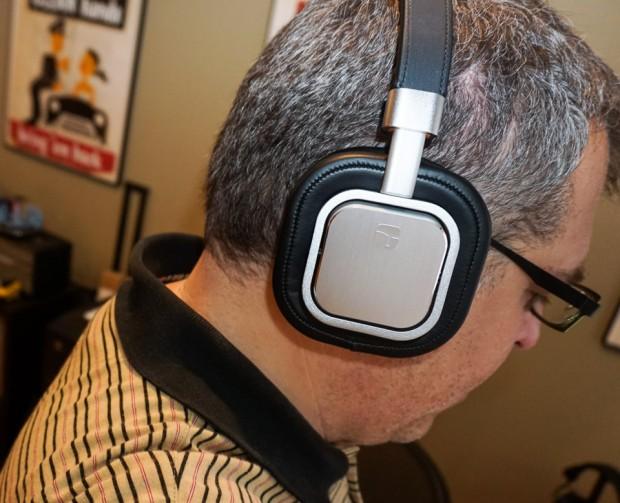 torque_t402v_headphones_4