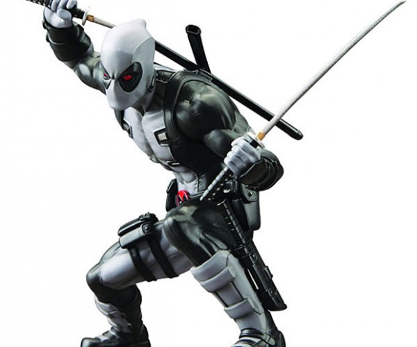 Deadpool X-Force Statuette Crouches Menacingly