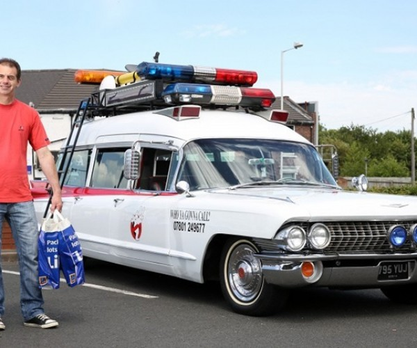 Fan Builds Awesome Ghostbusters Ecto-1 Replica