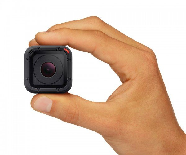 GoPro HERO4 Session Goes Anywhere Thanks to Its Tiny Size