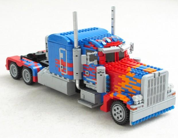 lego_optimus_prime_1