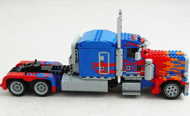 lego_optimus_prime_3