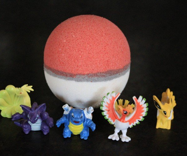 Poké Ball Bath Bomb Already Caught a Toy Pokémon