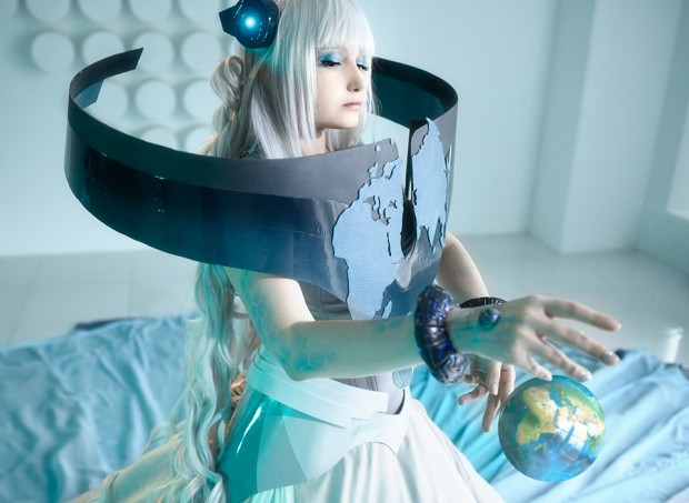 wikileaks_cosplay_by_ellen_grace_14