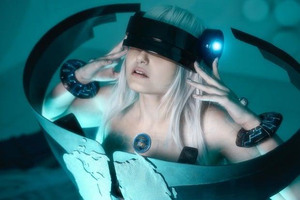 wikileaks_cosplay_by_ellen_grace_3