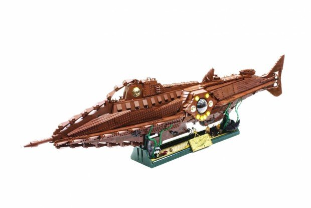 lego_nautilus_20000_leagues_under_the_sea_by_orion_pax_2