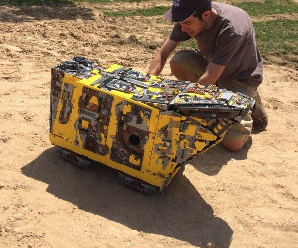 10,000-brick LEGO Technic Star Wars Sandcrawler Actually Crawls in the Sand