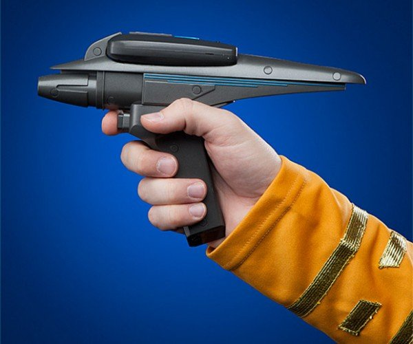 Star Trek III Phaser Replica Goes Pew Pew Pew