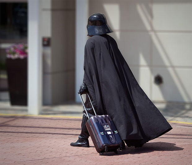 vader-carry-1