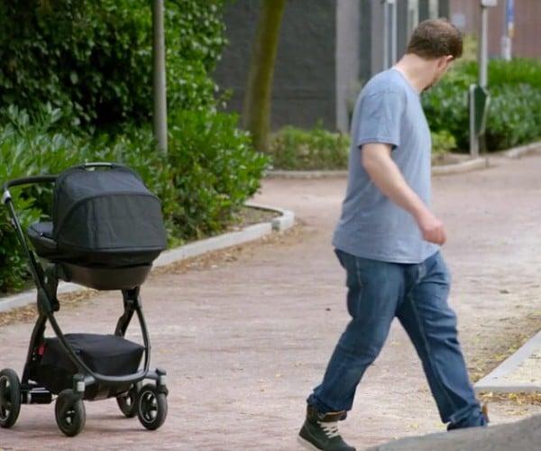 Volkswagen's Stroller Automatically Brakes & Follows: Das Kinderwagen