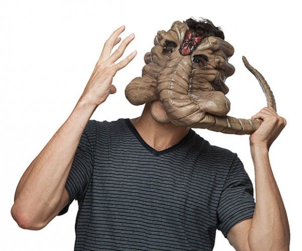 Alien Facehugger Mask: At Halloween Everyone Can Hear you Scream