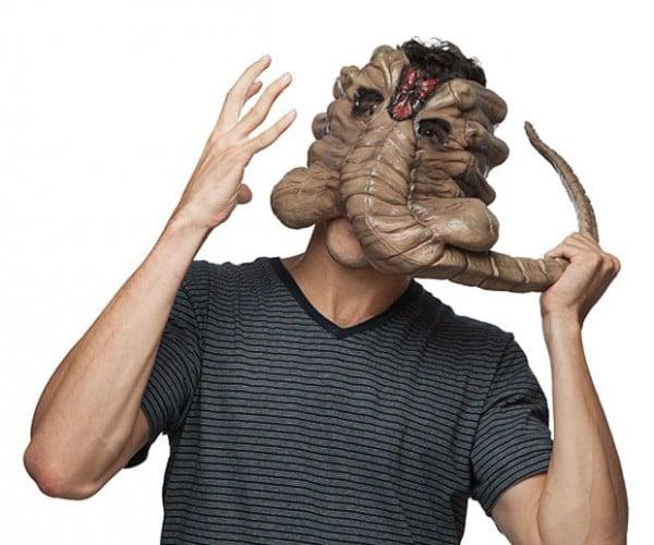 Alien Facehugger Mask: At Halloween Everyone Can Hear you Scream