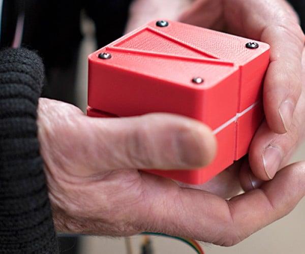 Animotus Shape-changing Navigation Device: Compass-nion Cube