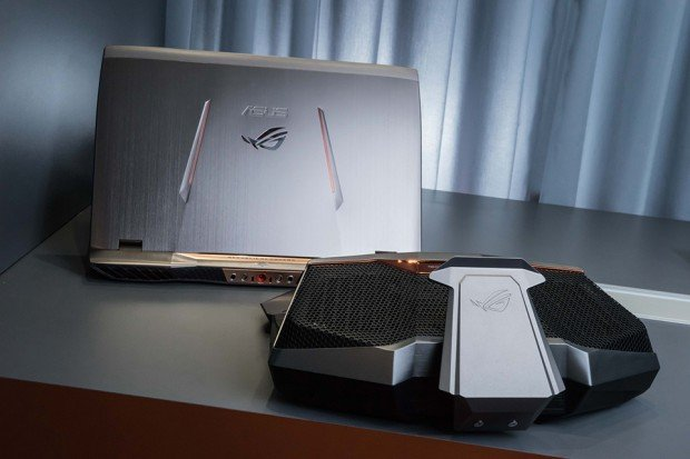 asus_rog_gx700_gaming_laptop_with_water_cooling_dock_3