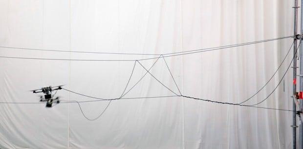 autonomous_quadcopter_builds_rope_bridge_1