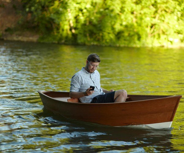 Smartphone Controlled Boat: App the Creek