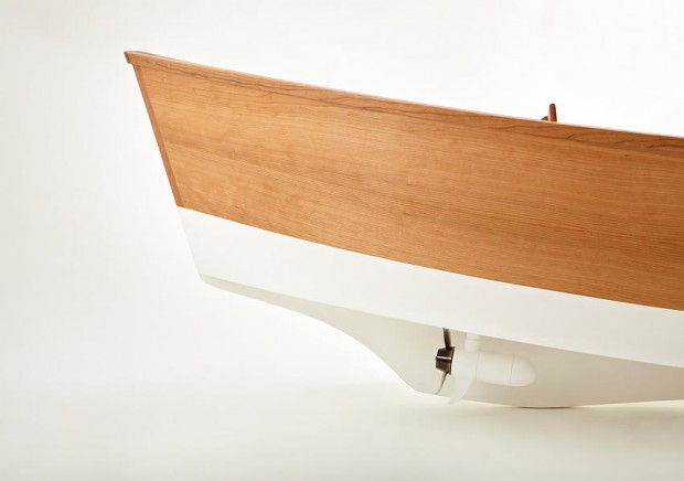 floating_chair_smartphone_controlled_boat_by_Thomas_Gottelier_and_Bobby_Petersen_6