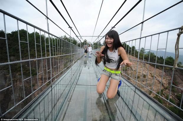 glass-bridge-2