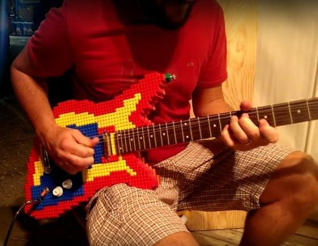 lego_guitar_1