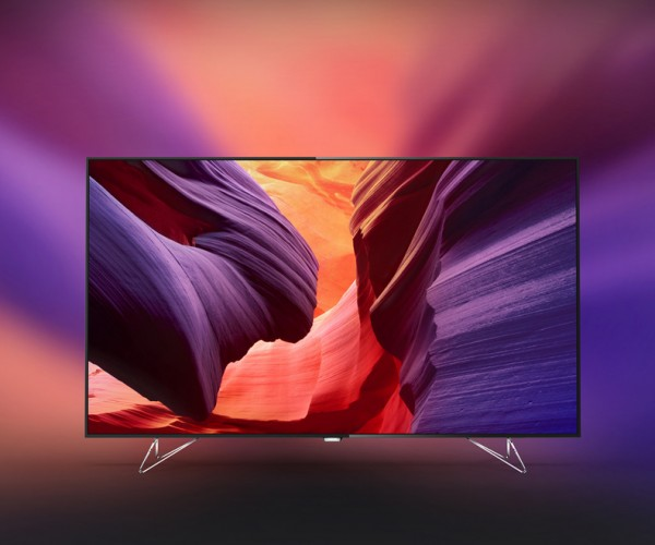 Philips AmbiLux UHD TV Adds Ambient Light Using Pico Projectors: Ambelievable