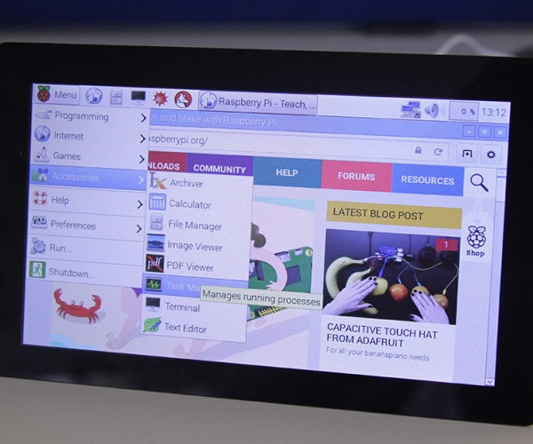 Official Raspberry Pi 7″ Touchscreen Display: Pi Pan