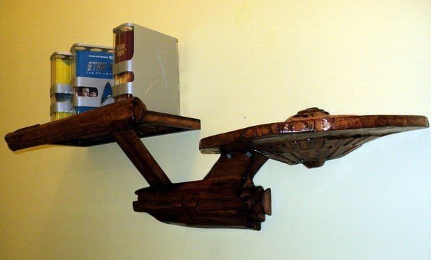 star_trek_shelf_1