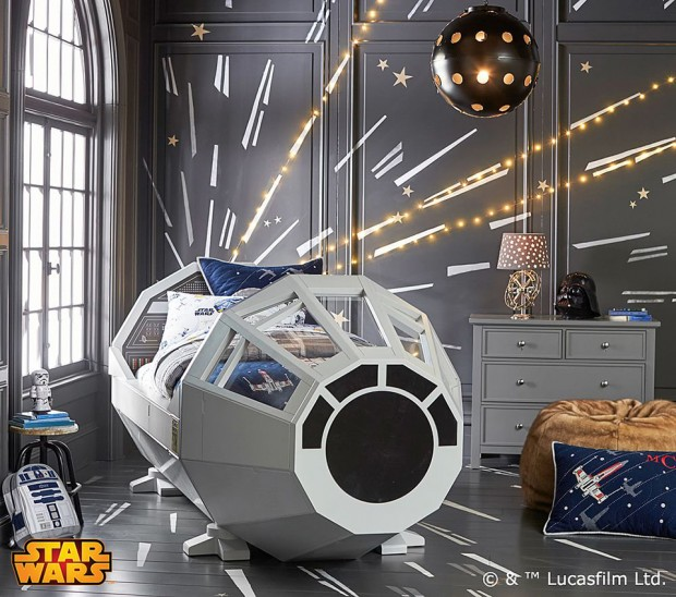 star_wars_millennium_falcon_cockpit_bed_by_pottery_barn_4