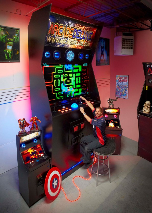 worlds_largest_arcade_machine_2