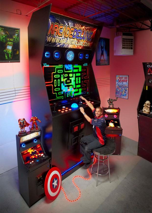 worlds_largest_arcade_machine_2