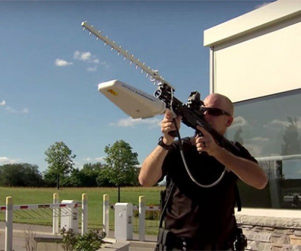 Radio Rifle Used to Disable Drones