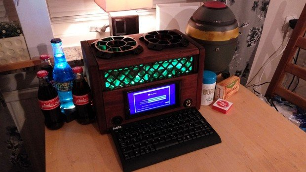 fallout_tube_radio_pc_casemod_by_robbaz_2