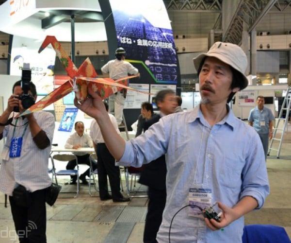 RC Flying Origami Crane: Papaircraft