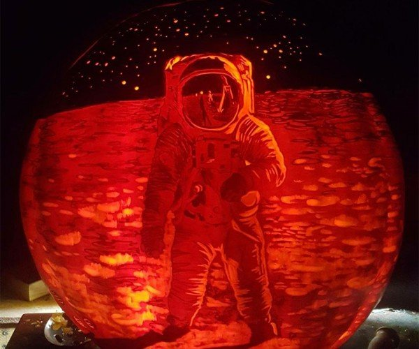 Moonwalk Pumpkin is the Most Awesome Jack-o-Lantern