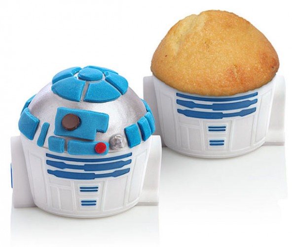 R2-D2 Cupcake Pan: The Cakes You're Looking for