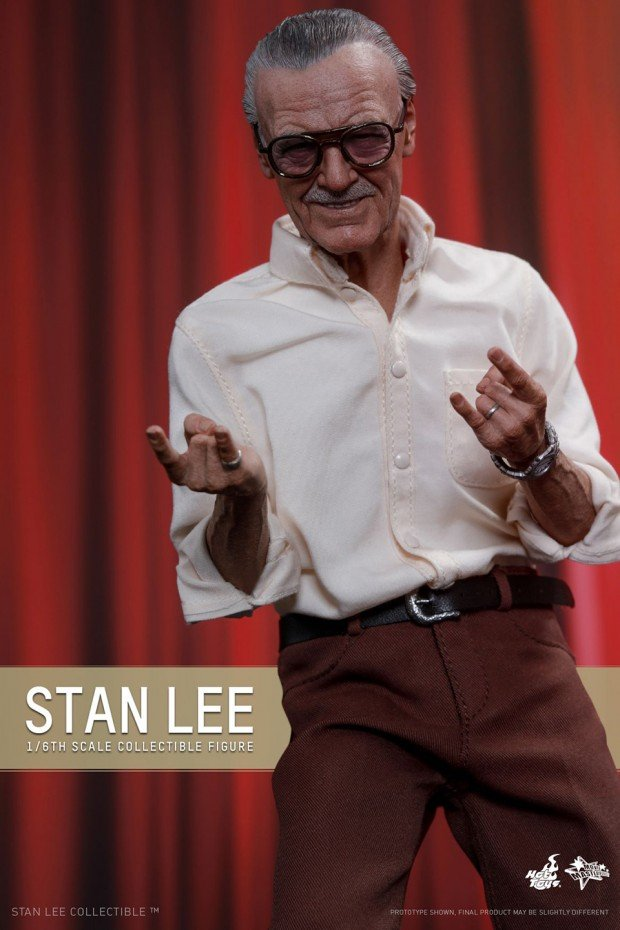 stan_lee_sixth_scale_action_figure_by_hot_toys_4