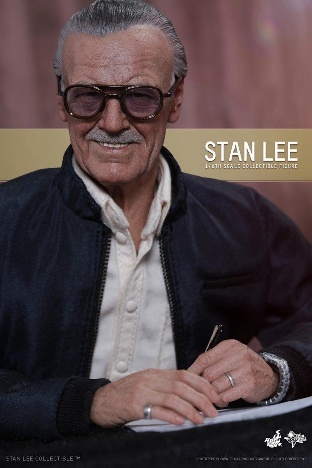 stan_lee_sixth_scale_action_figure_by_hot_toys_8