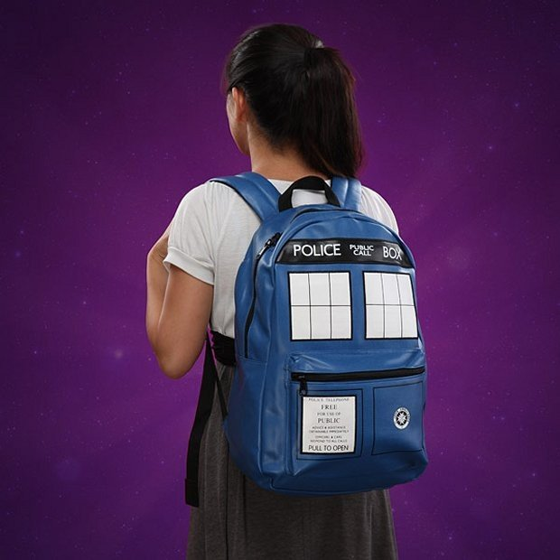 tardis_backpack_2