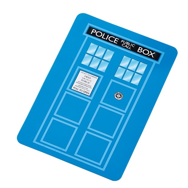tardis_cutting_board_2