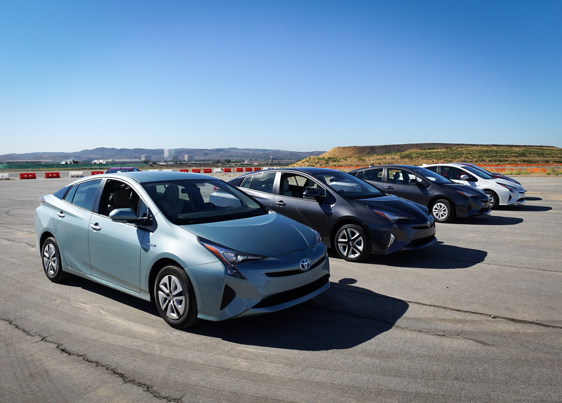 Luxury Review The 2016 Toyota Prius Is A Marvel Of Modern